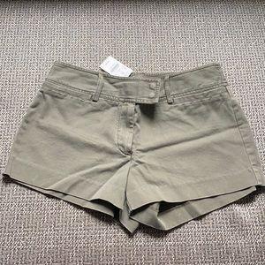 New J Crew Favorite Fit Khaki Olive Shorts 6